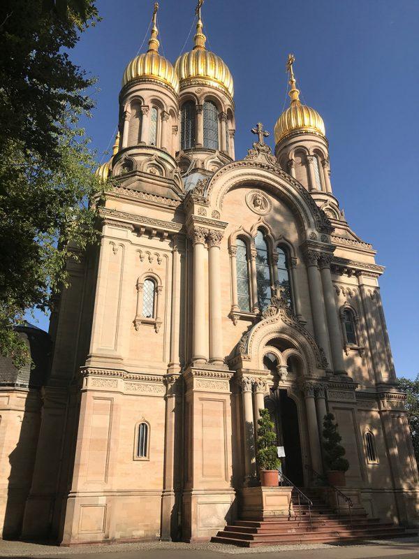 Russische-Kirche-Wiesbaden-©Constantin-Wild-600x800